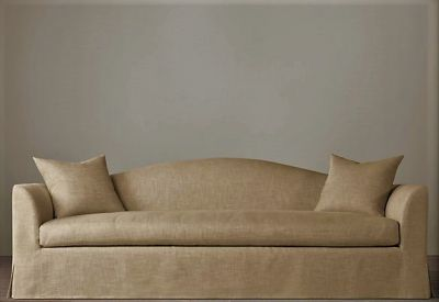 THE CAMEL BACK SOFA / 240