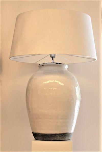 IVORY & GREY CERAMIC LAMP WITH IVORY LAMPSHADE / GRANDE